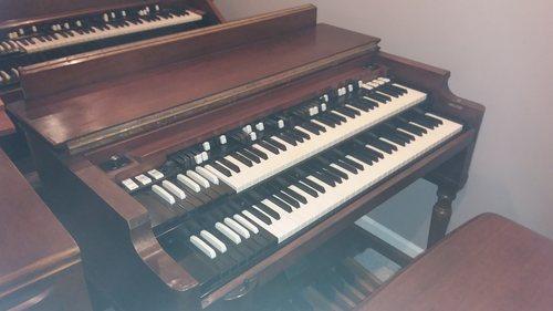 Hammond B3 with 122 Leslie