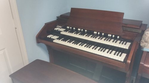 Hammond C2, super clean, choice of Leslies