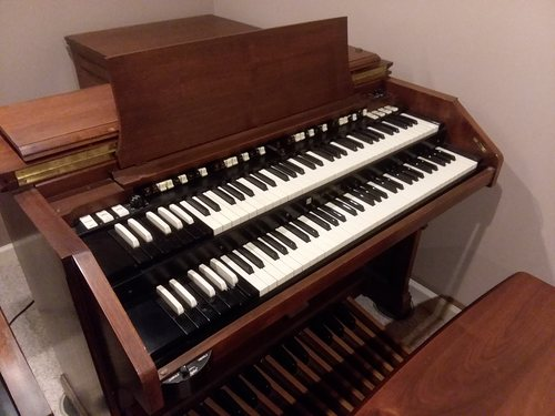 Hammond C3 with 122 Leslie