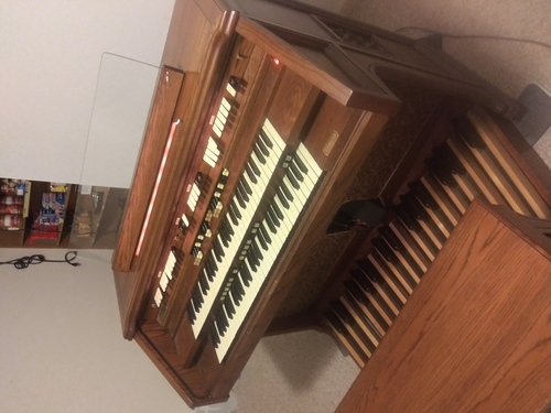 Hammond Organ model 820