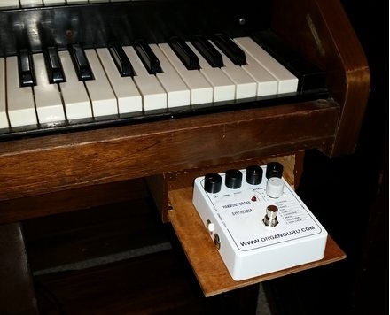 Add Synth Sounds to a Vintage B3, C3 type organ