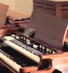 Hammond B3 with full size Leslie Speaker