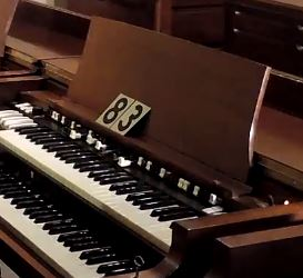 Hammond B3, one owner, extra clean. with choice of Leslies #83