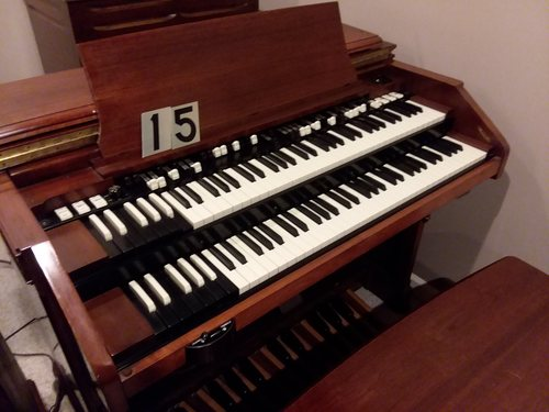 Hammond C3, super clean from funeral home #15, used lightly, great Leslie 122