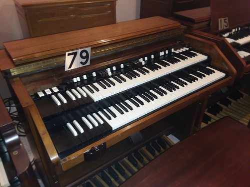 Hammond C3. sounds great #79  with 147 Leslie or other options