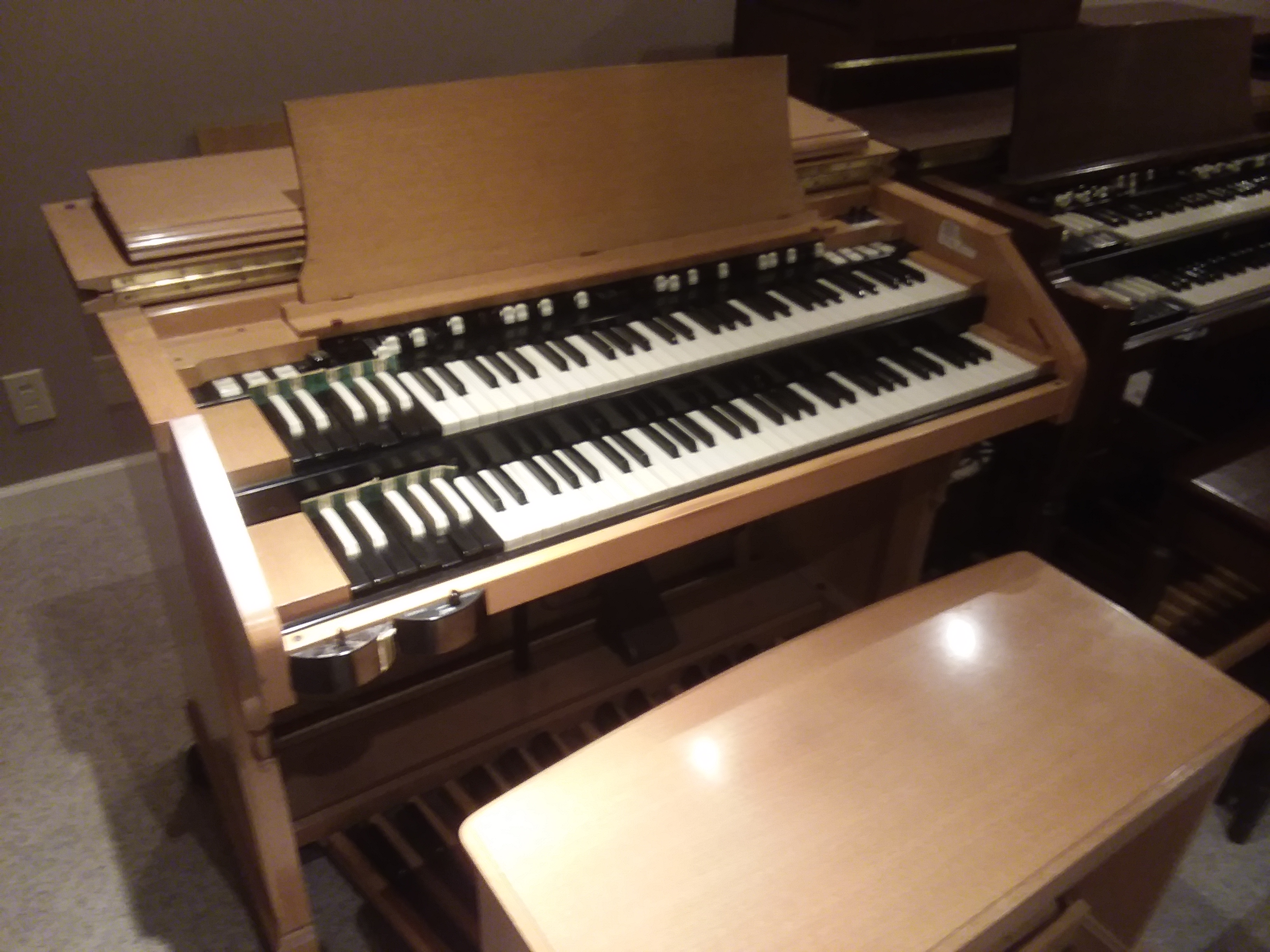 Hammond C3, Blond, very rare find with 122,147, or 145 ( can be purchased for $200.00 per month, no money down)
