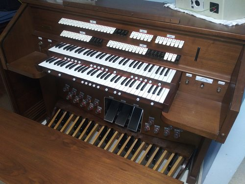 Rodgers 755 Church organ