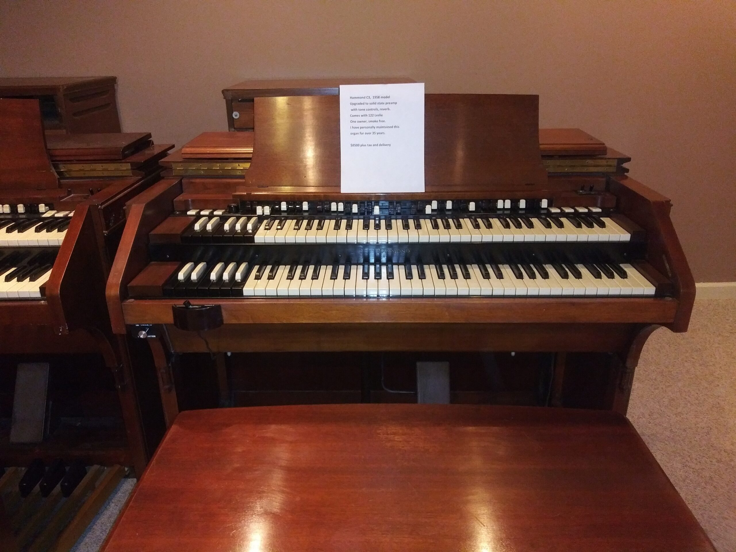 Hammond C3 w? Leslie 122  1958  $8500.00